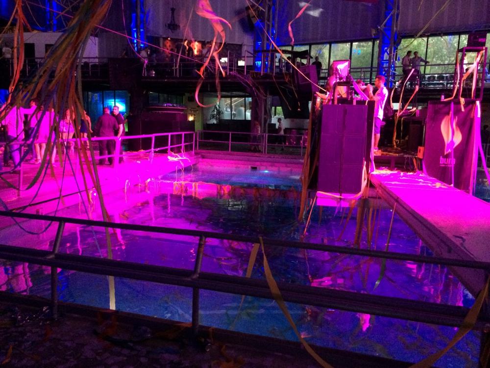 Supermartxe Swimming Pool