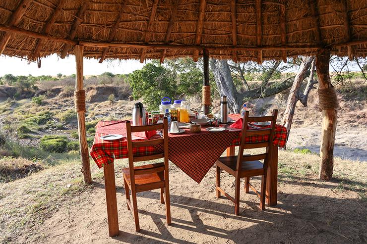 Kenya, Masai Mara, Masai, Kananga International, Julia's River Camp, Julias River Camo, Safari, East Africa, Migration, The Great Migration, Game Drive, Tented Camp, Luxury Camp